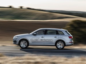 Audi-Q7-e-tron-quattro_07