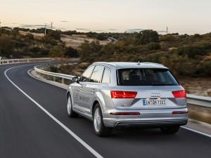 Audi-Q7-e-tron-quattro_10