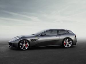 Ferrari_GTC4Lusso 03