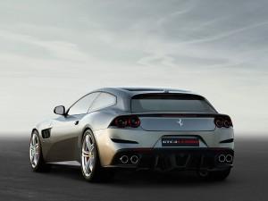 Ferrari_GTC4Lusso 04
