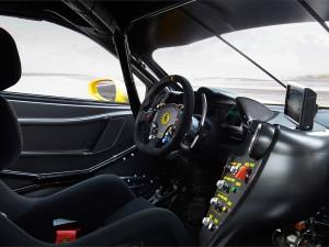 Ferrari_488_Challenge_interno_2