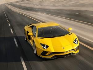 Lamborghini-Aventador-S-01