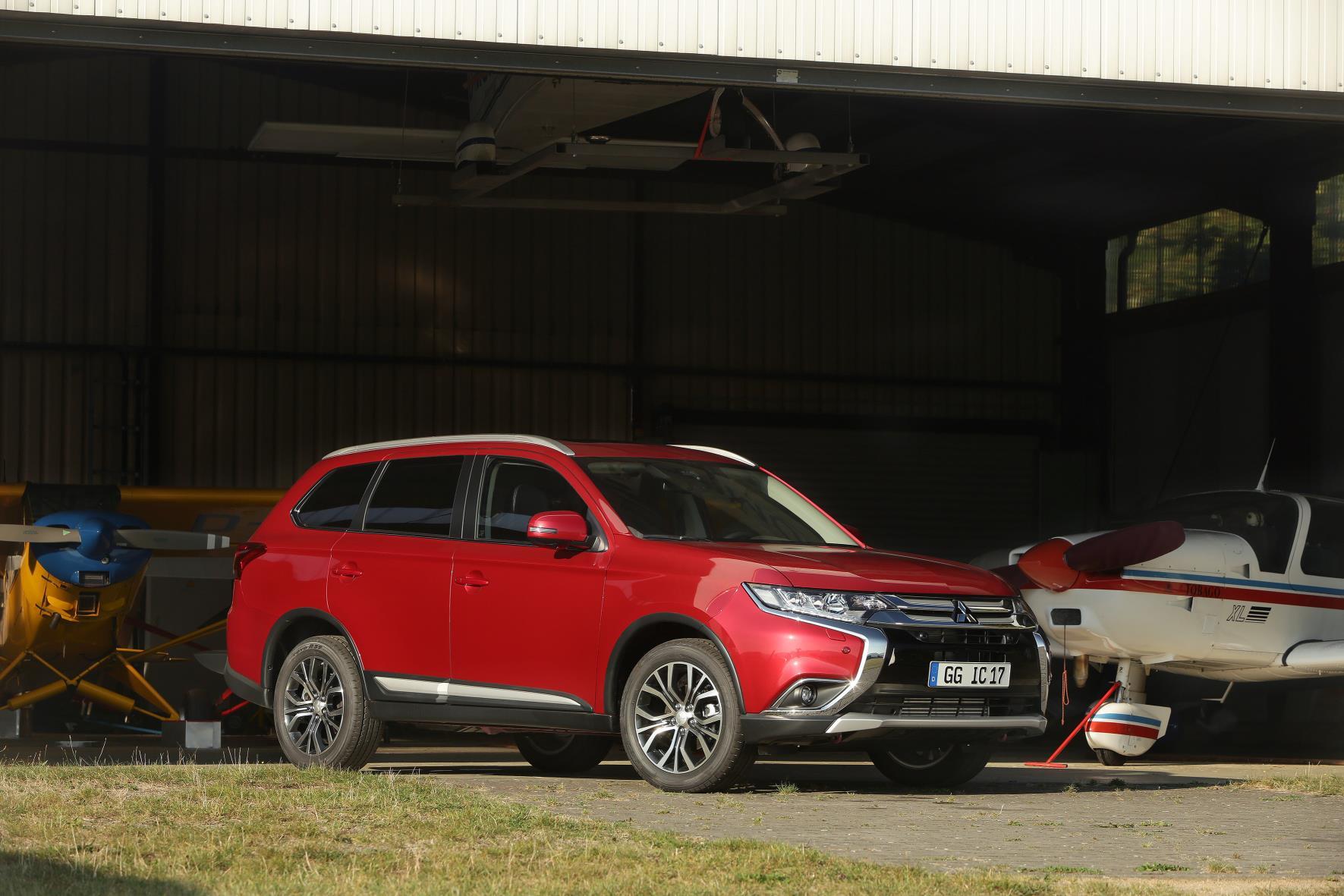 Mitsubishi inicia la comercialización del Outlander gasolina de 7 plazas