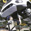 La planta de Ford de Almusafes, primera en el mundo en integrar exoesqueletos en sus líneas de montaje
