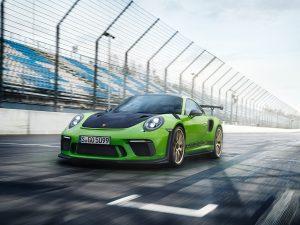 Porsche 911 GT3 RS marca un tiempo de 6:56.4 en Nurburgring