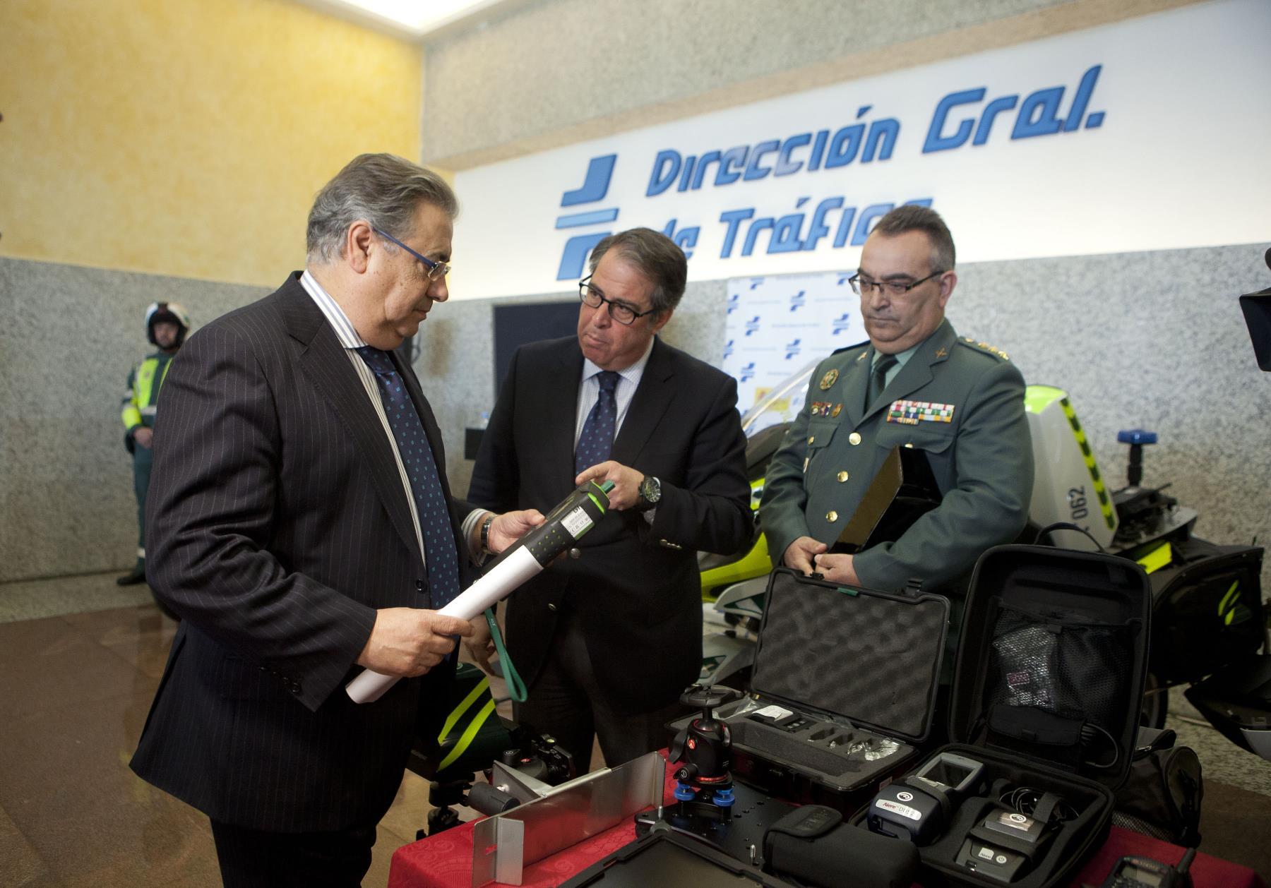 El ministro de Interior, Juan Ignacio Zoido, ha presentado hoy el dispositivo especial de vigilancia