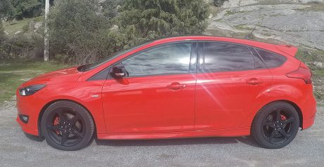Ford Focus Red&Black Edition