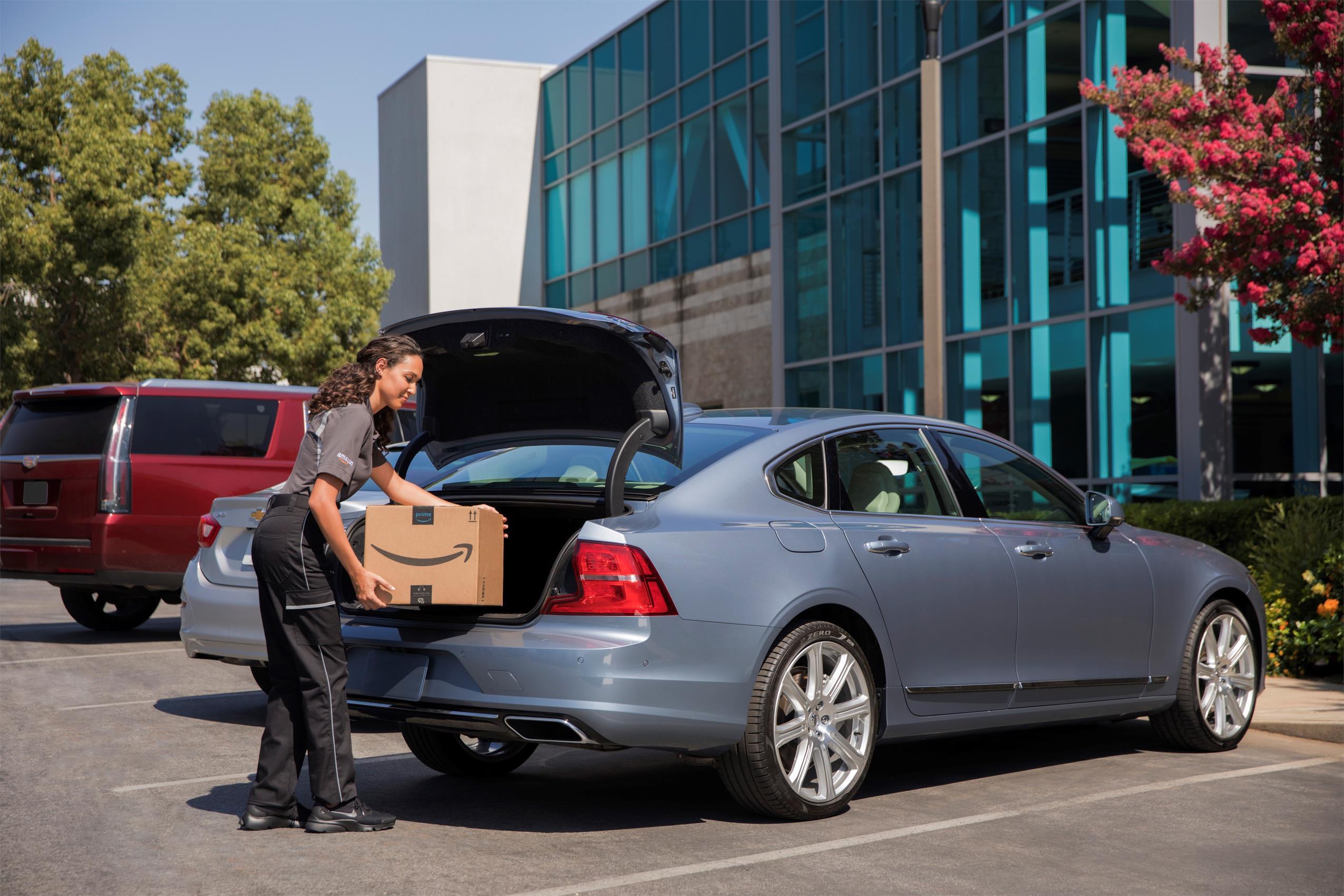Volvo Cars se ha asociado con Amazon para ofrecer la entrega en EEUU
