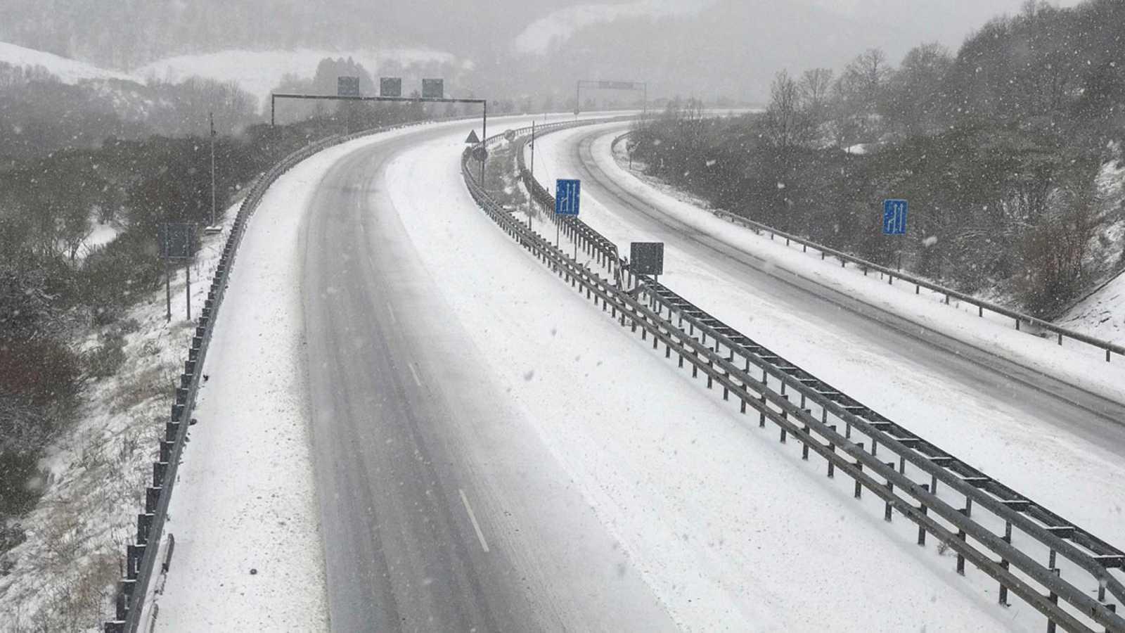 La DGT recomienda planificar con antelación los viajes ante las nevadas