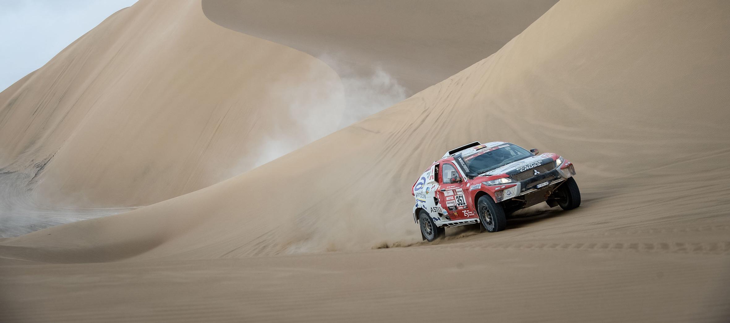 Cristina Gutiérrez vuela sobre las dunas del Dakar
