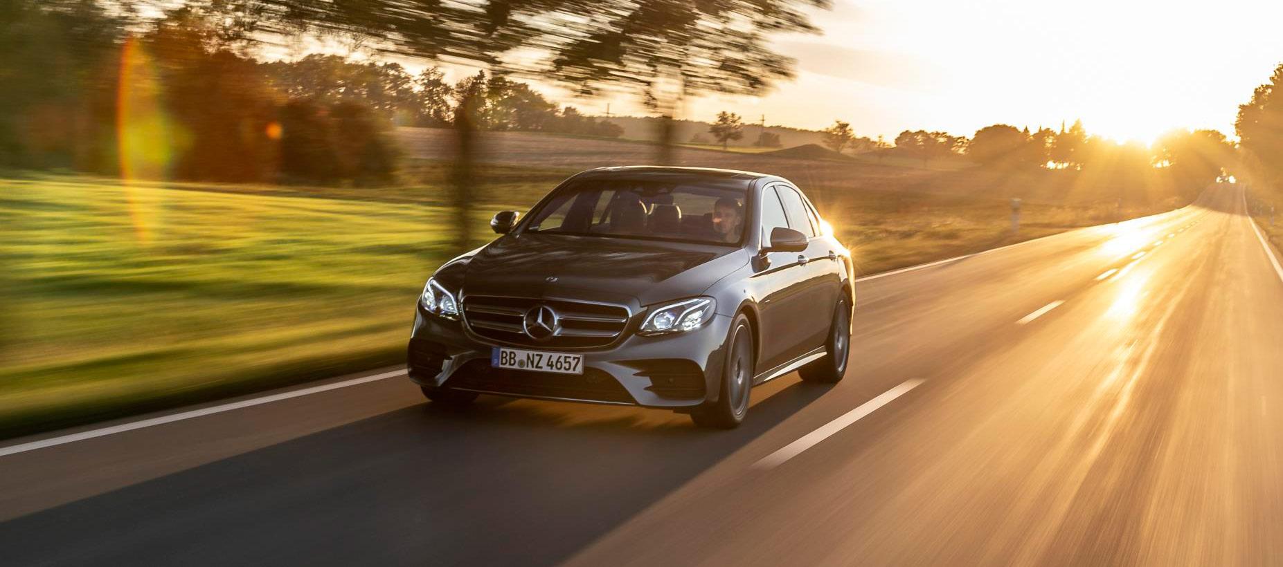 Mercedes-Benz y Endesa instalan puntos de recarga en los hogares