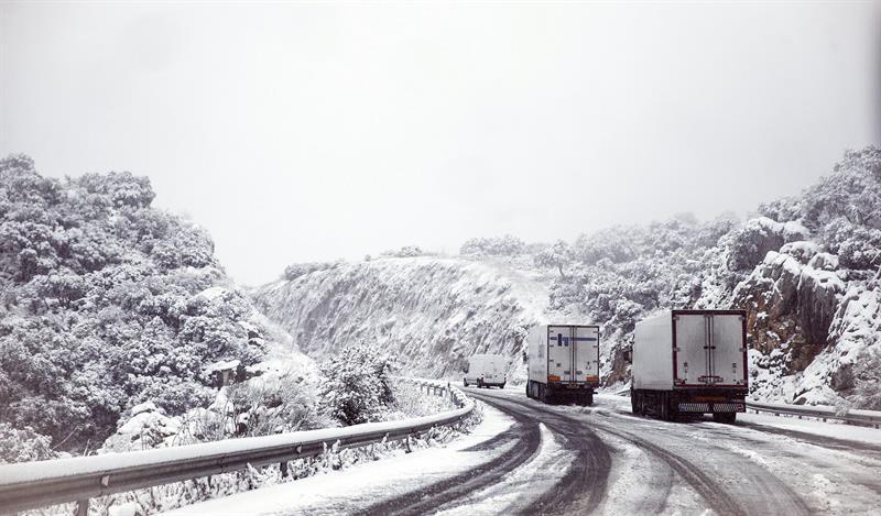 La DGT recomienda evitar carreteras por el tercio norte de España