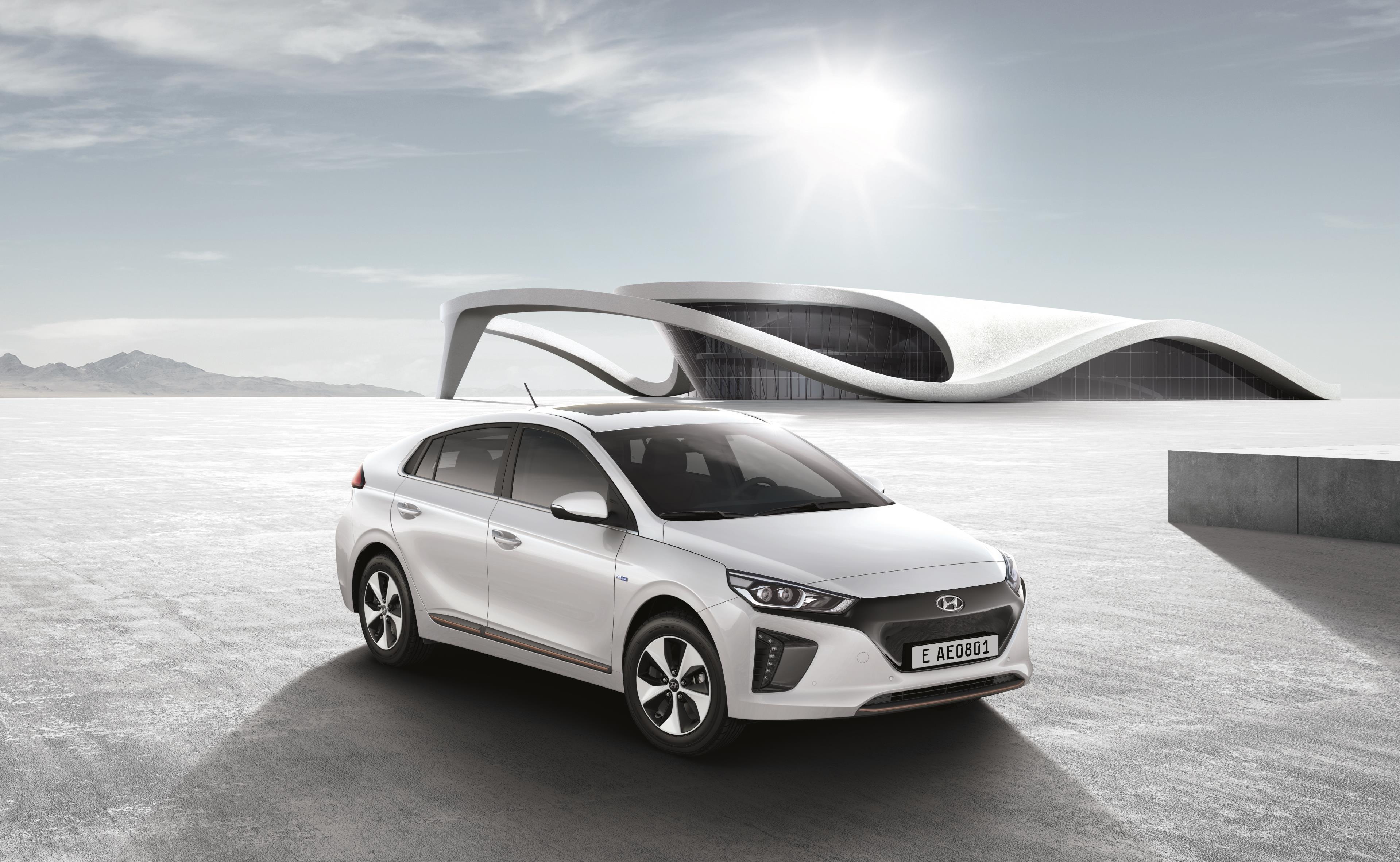 """ADAC EcoTest clasifica al IONIQ eléctrico como el """"automóvil más limpio"""""""