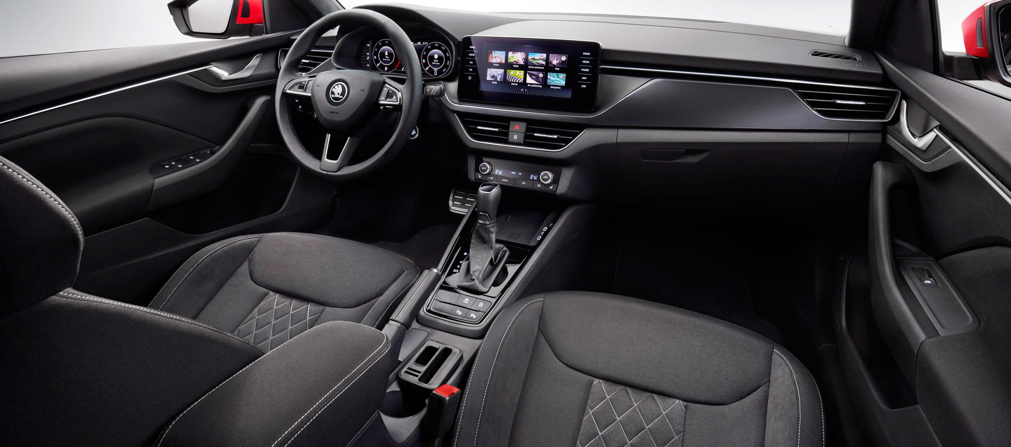 Škoda Kamiq, primeras imágenes y sensaciones del interior