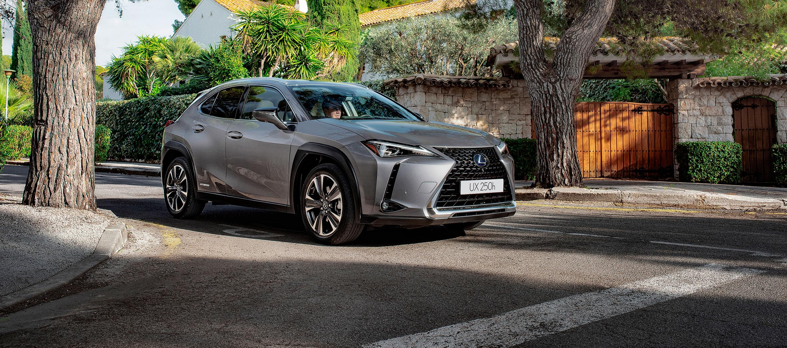 Lexus UX 205h ya a la venta en los concesionarios