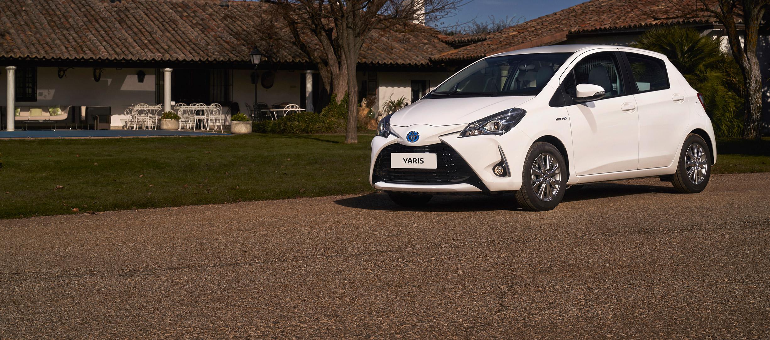 Toyota Yaris Hybrid ECOVan diseñada para Profesionales