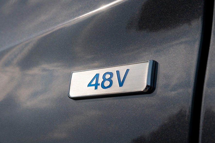 Hyundai Tucson híbrido 48V homologado con etiqueta ECO