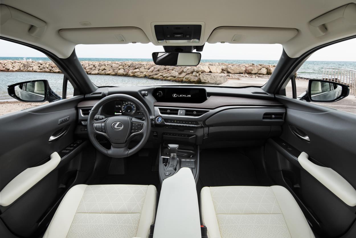 Lexus UX 250h conjuga tradición y última tecnología