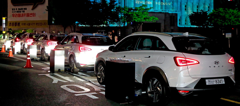 Hyundai Nexo iluminan la Biblioteca Metropolitana en el Earth Day