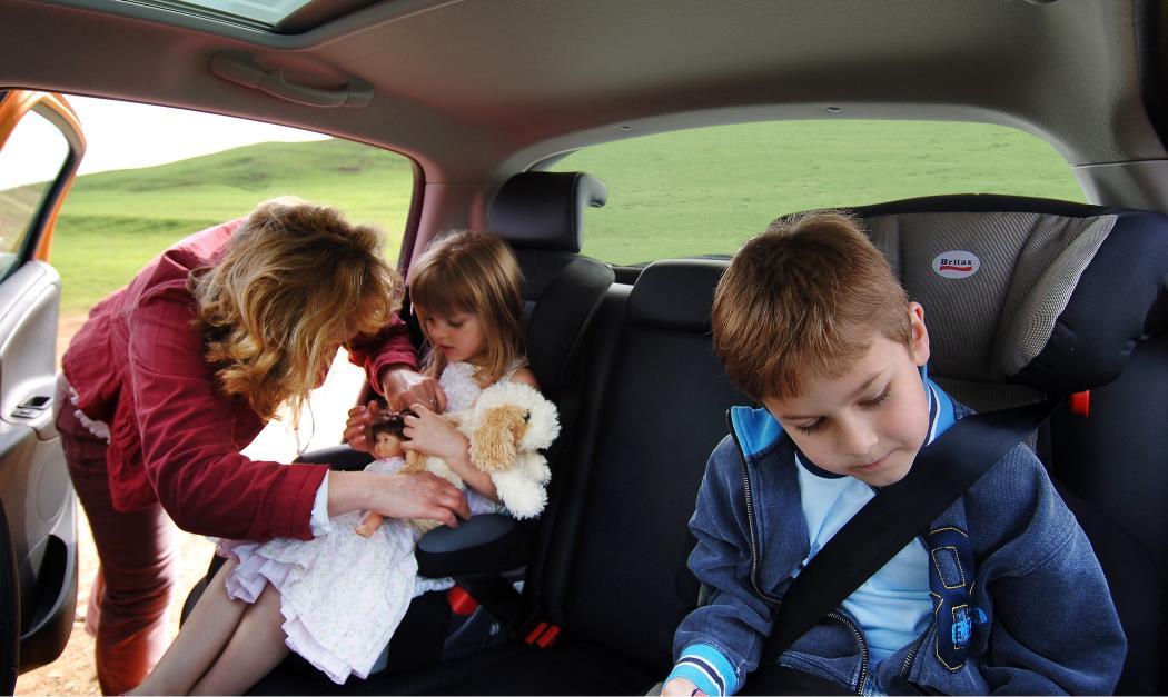 En cualquier desplazamiento en coche, hay que ir bien sujetos