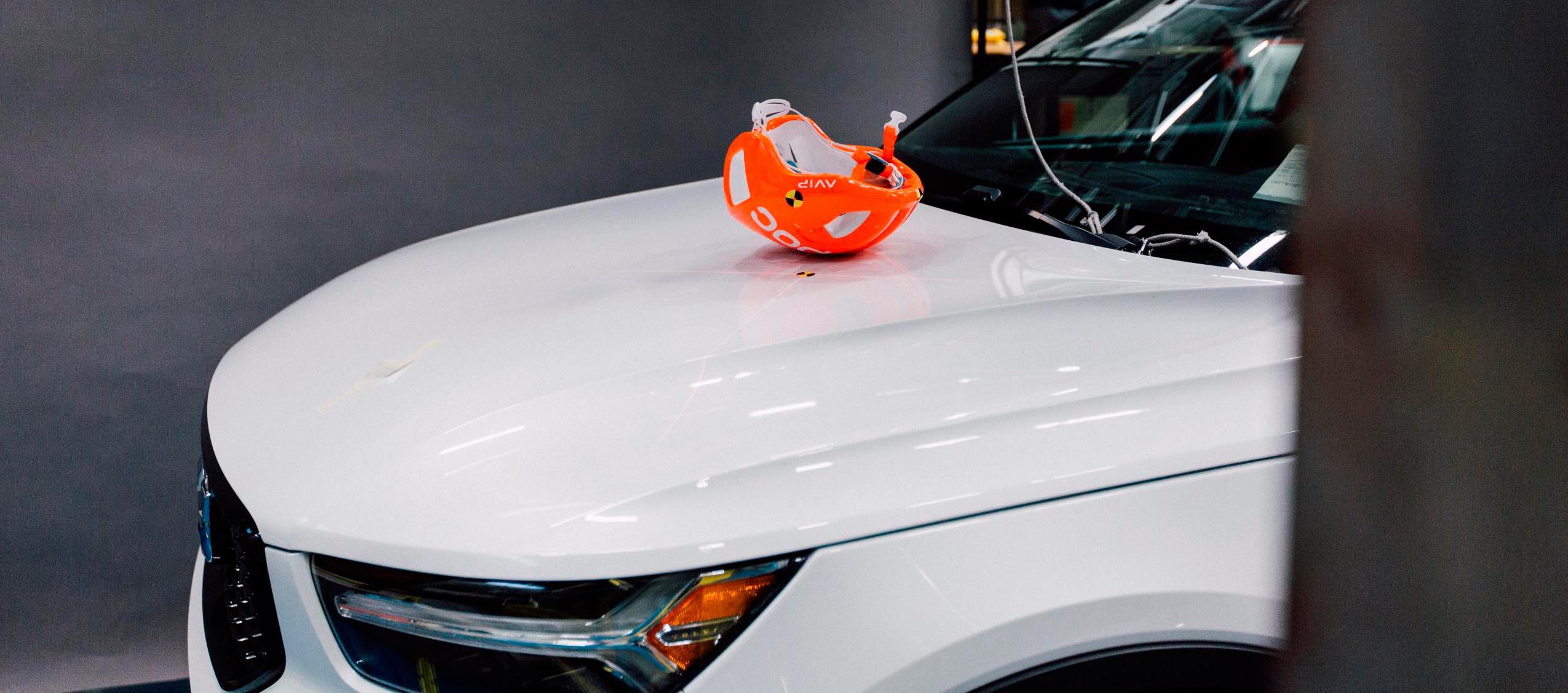 Volvo cars y POC realizan crash-test con cascos de bicis