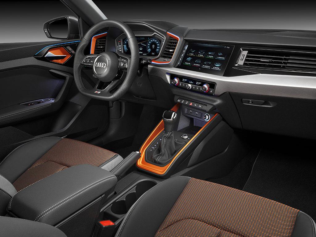 Audi A1 Citycarver, aspecto juvenil, ambiente urbano