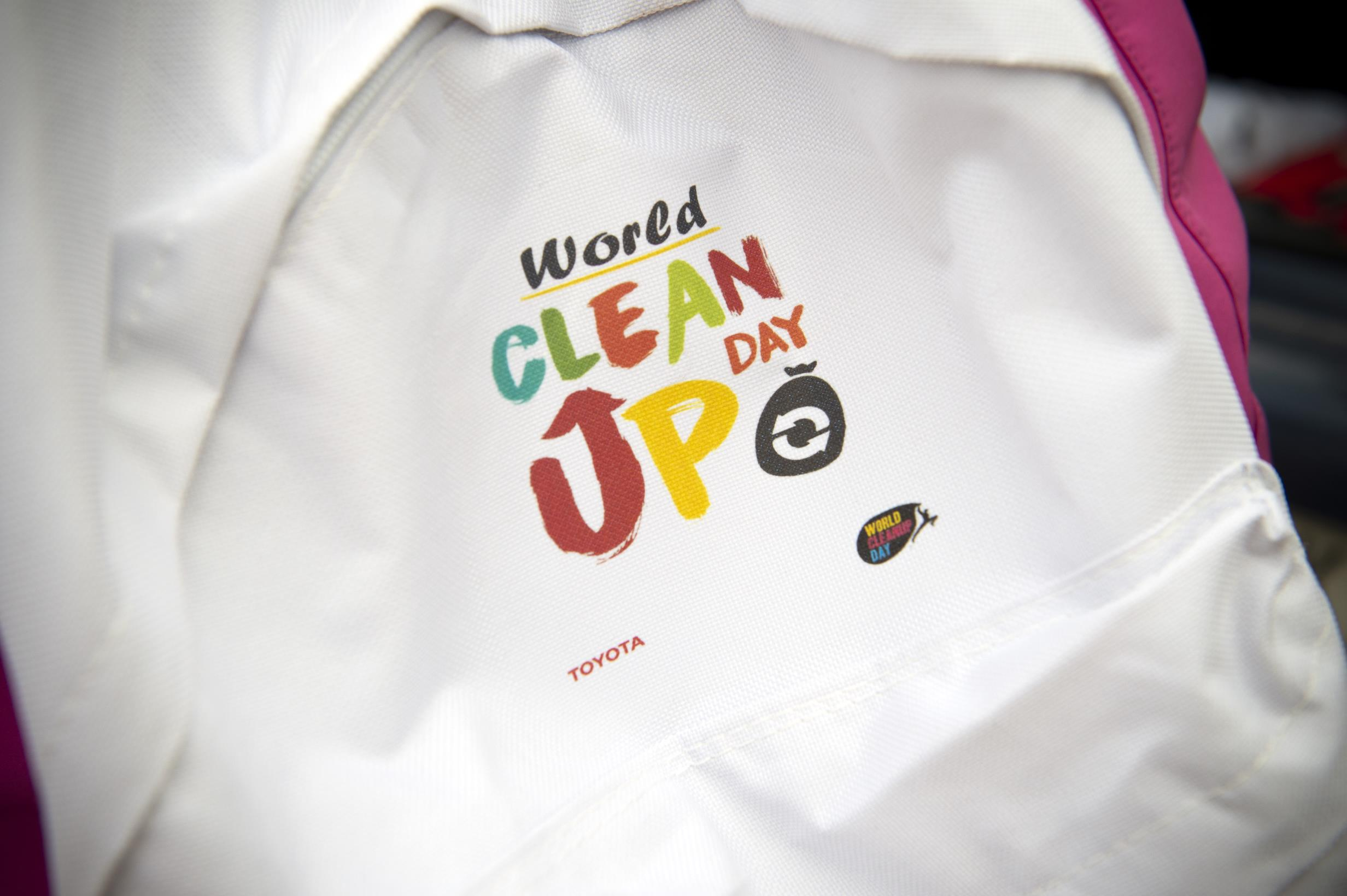 Toyota España participa en el World Clean-Up Day