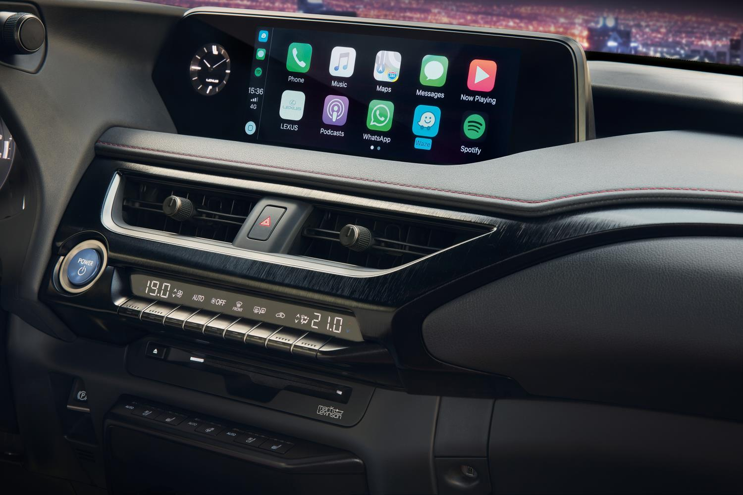 Todos los Lexus incorporan Apple CarPlay™/Android Auto™
