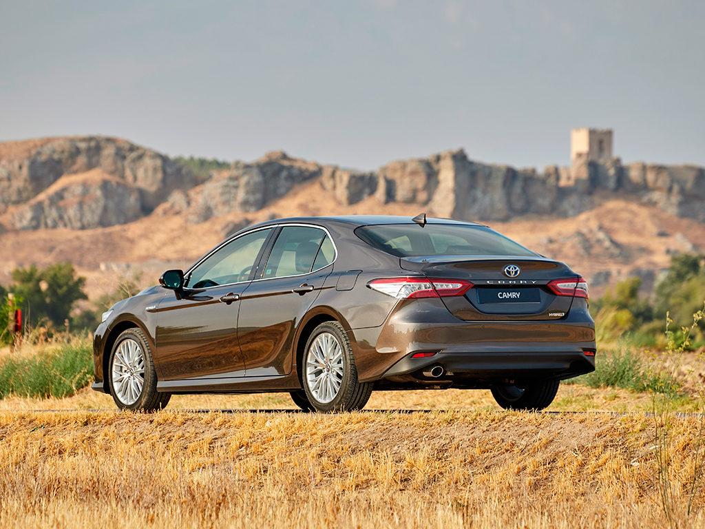 Toyota Camry Hybrid ya en el mercado español