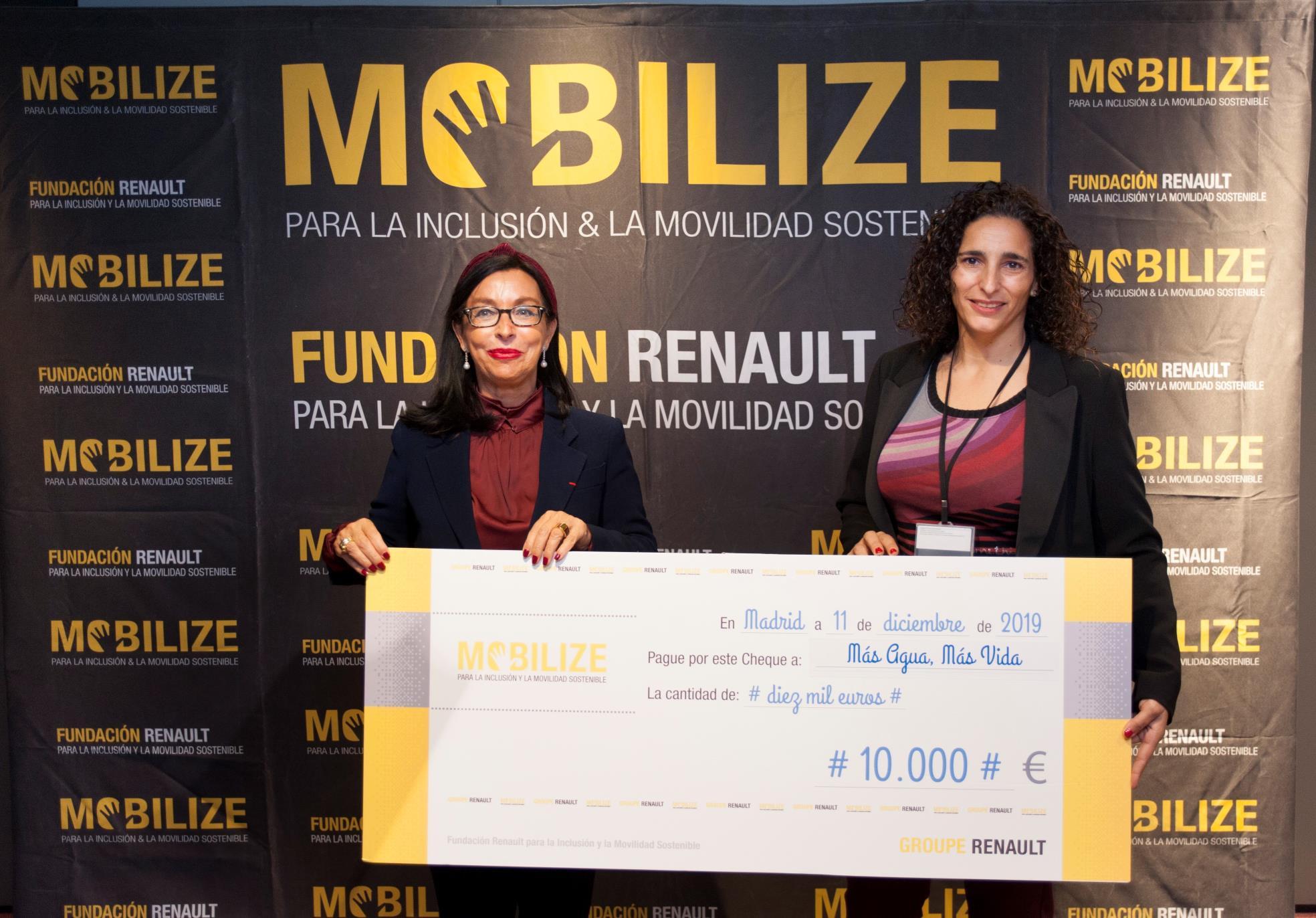 Fundación Renault para la Inclusión y la Movilidad Sostenible entrega del premio al Mejor Proyecto Solidario 2019