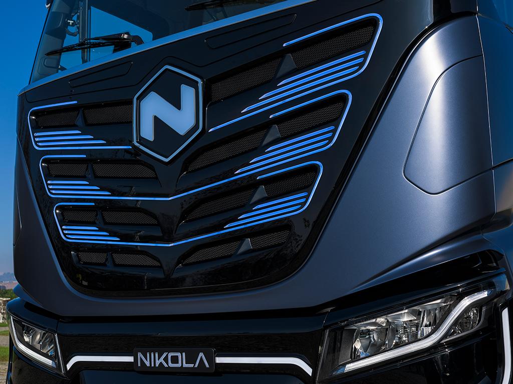 IVECO, FPT Industrial y Nikola presentaron el prototipo del Nikola TRE