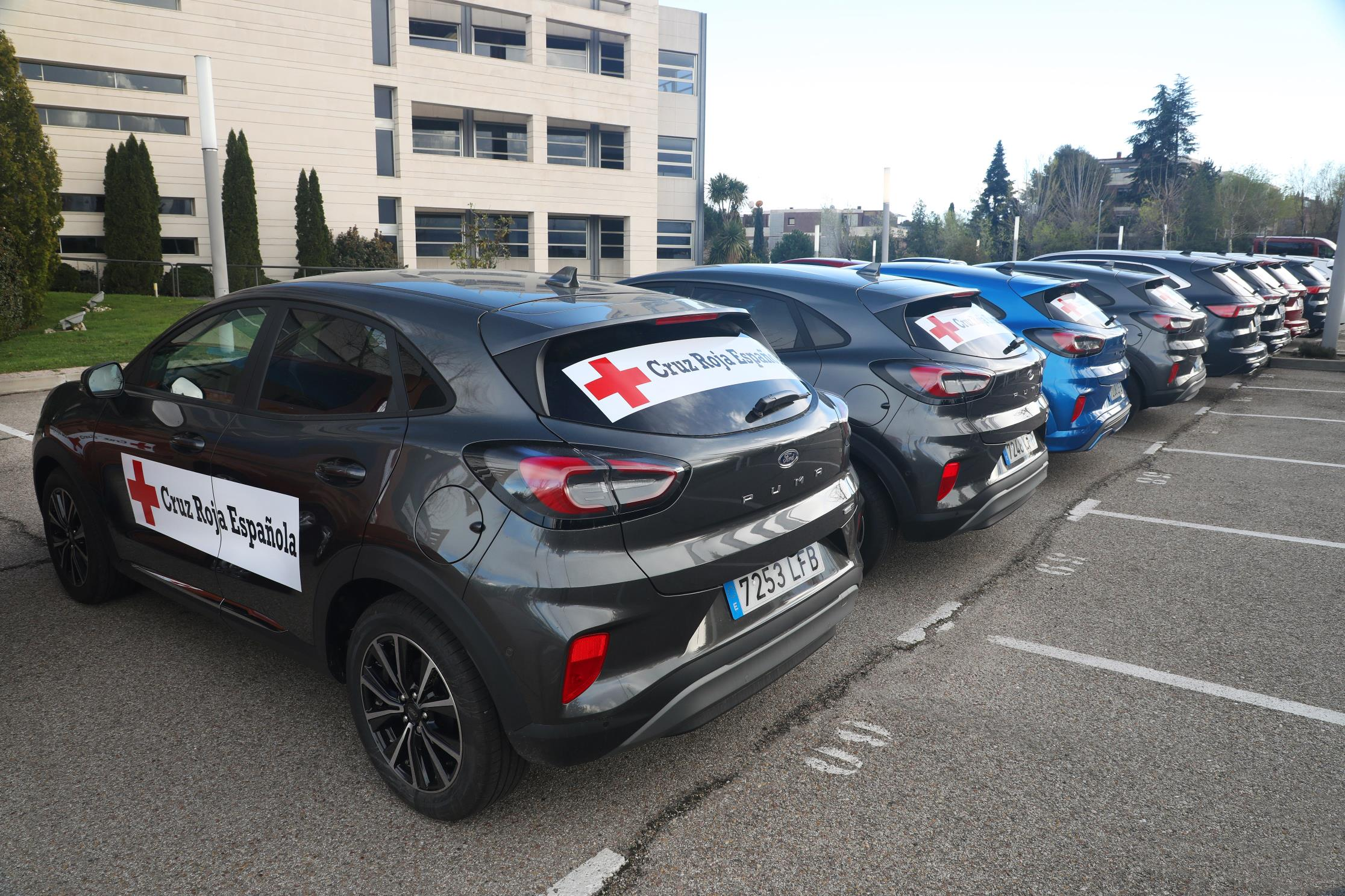 Ford España cede su flota de vehículos a la Cruz Roja