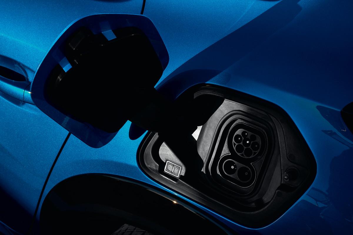 Como recargar un coche eléctrico o un PHEV