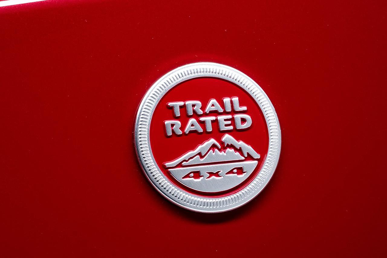 JEEP® 4X4 DAY muestra el emblema «TRAIL RATED»