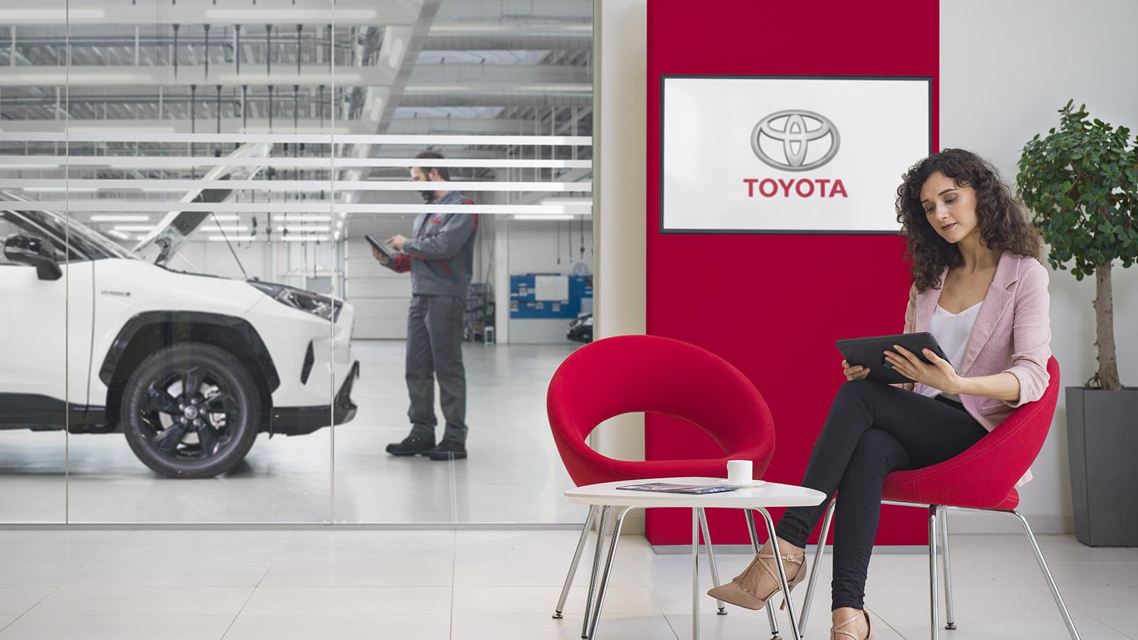 Toyota España reabre sus concesionarios con total seguridadToyota España reabre sus concesionarios con total seguridad