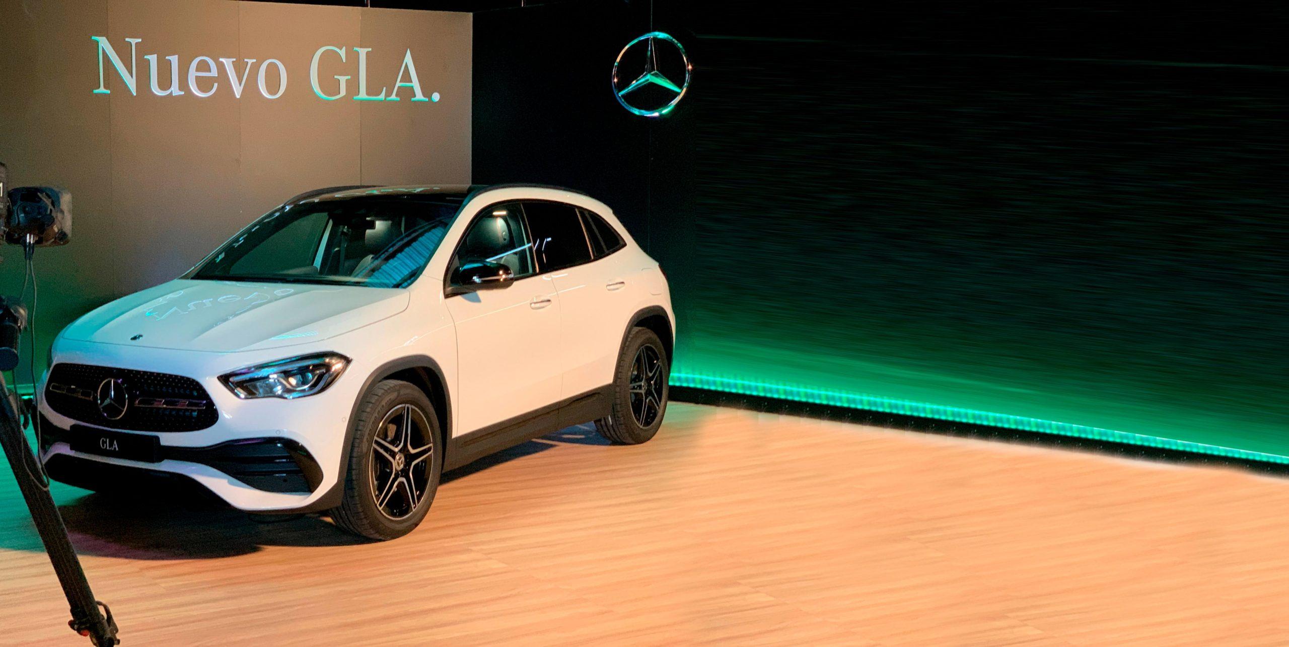 Mercedes-Benz GLA presentado en YouTube