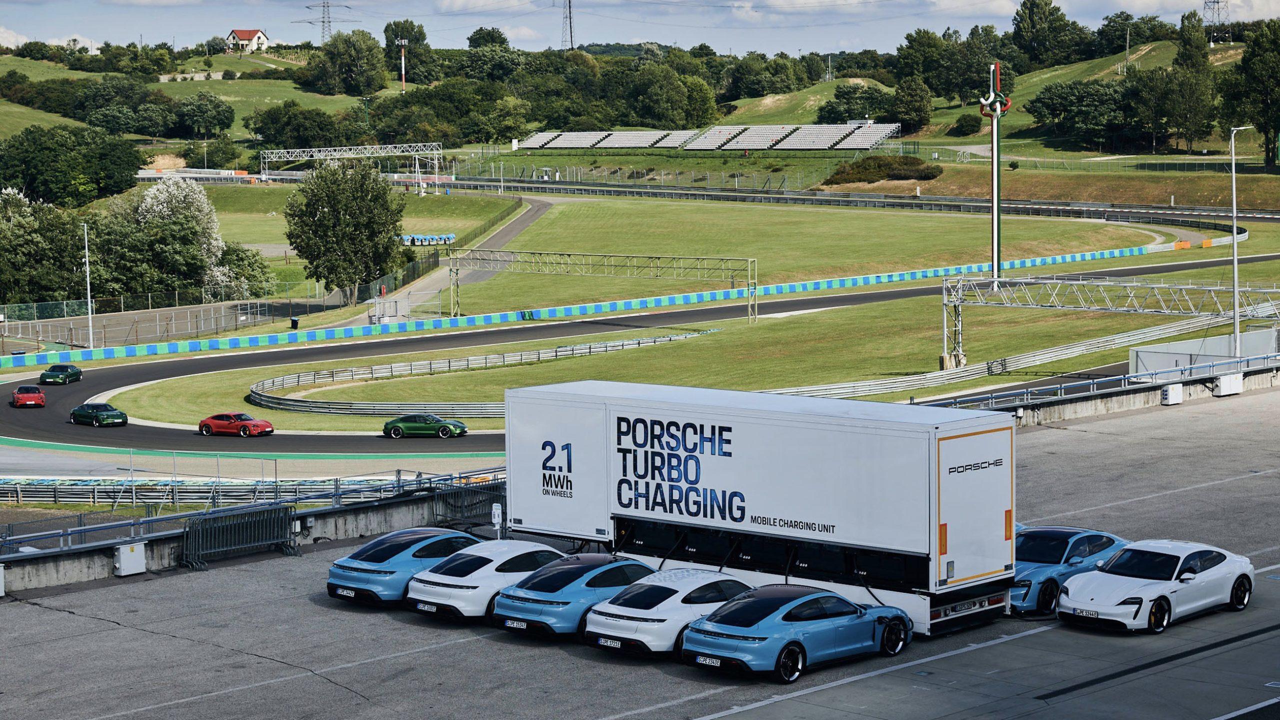 Camiones de carga para el Porsche Taycan