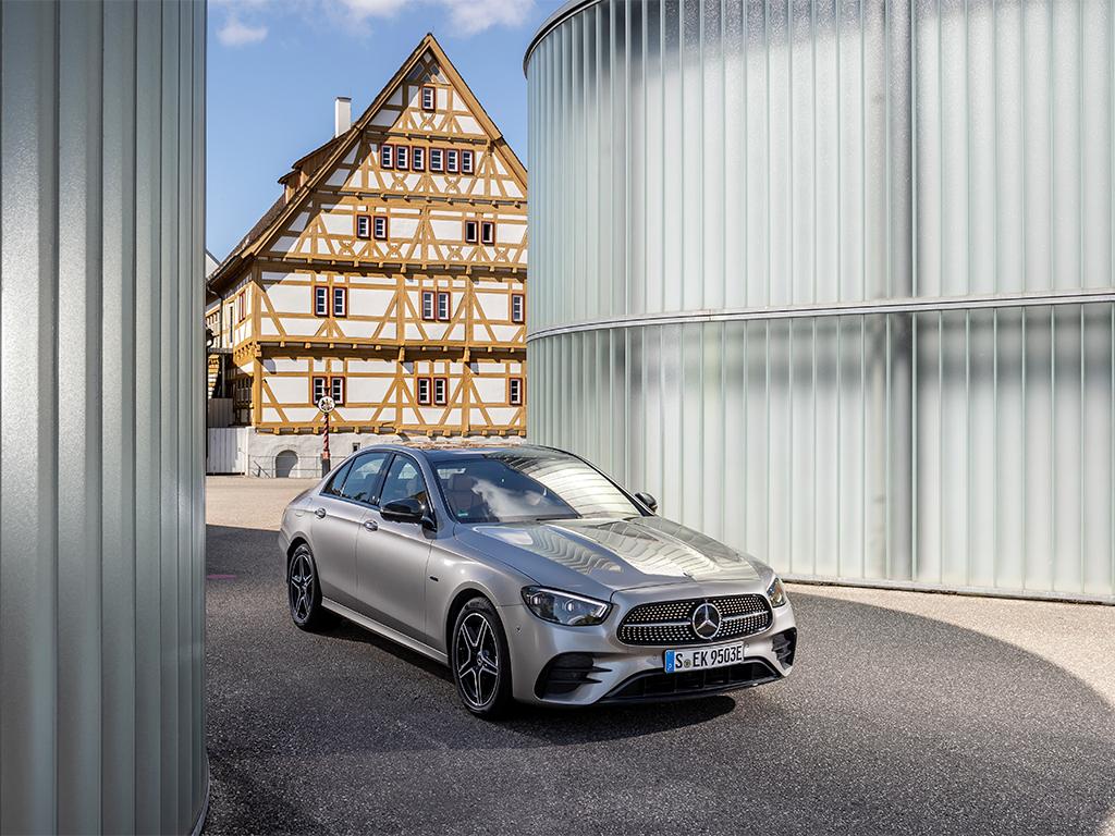 Mercedes-Benz Clase E ya se vende en los Concesionarios