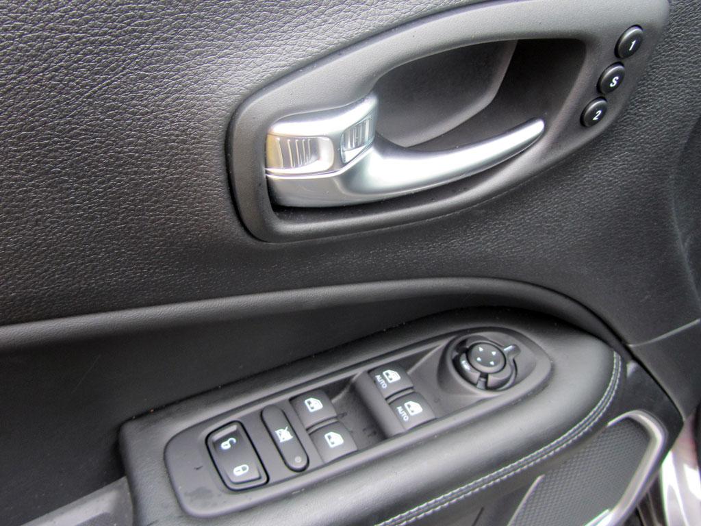 Test Drive - Jeep Compass S 1.3T4 DCT FWD, útil, práctico y equipado SUV con tradición