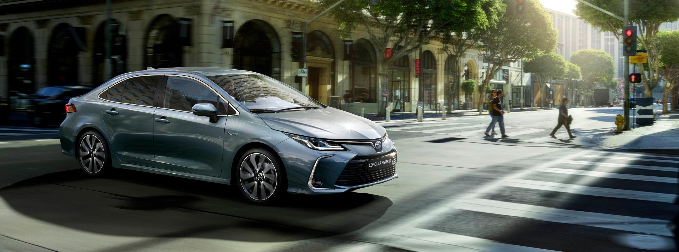 Toyota Corolla Sedan Electric Hybrid nuevos equipamientos