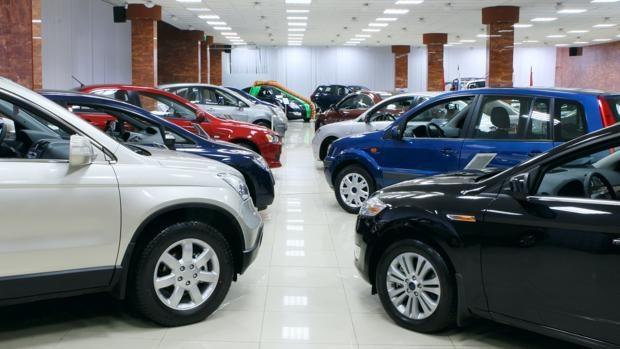 El mercado de venta de vehículos cae un 32,3%