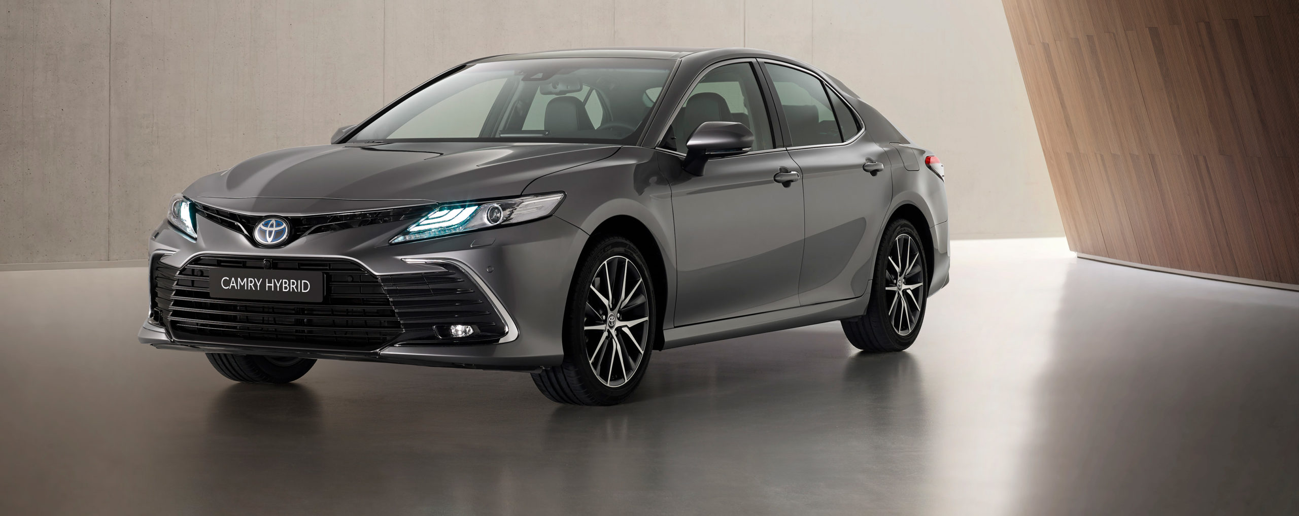 Toyota Camry Electric Hybrid 2021 ya está disponible